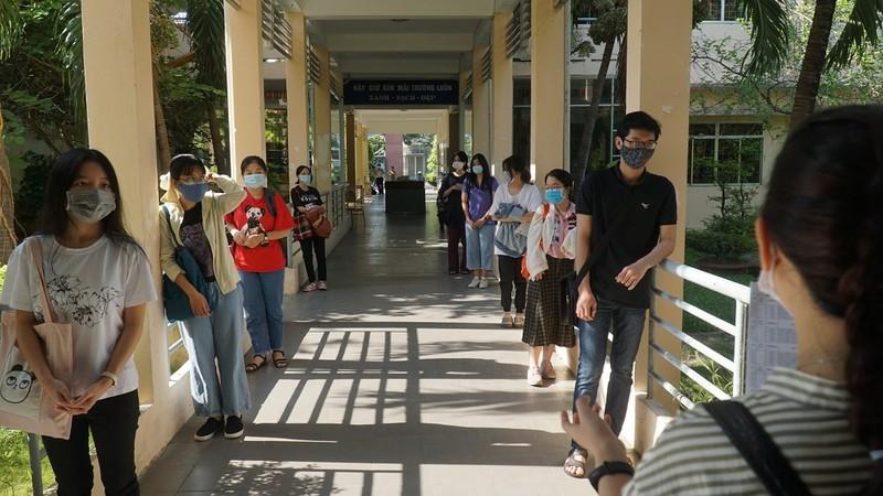 Đà Nẵng: Xét nghiệm COVID-19 cho gần 11.000 thí sinh thi đợt 2 - ảnh 2
