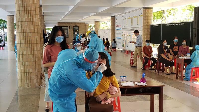 Đà Nẵng: Xét nghiệm COVID-19 cho gần 11.000 thí sinh thi đợt 2 - ảnh 5