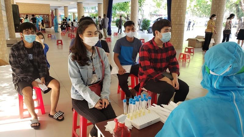 Đà Nẵng: Xét nghiệm COVID-19 cho gần 11.000 thí sinh thi đợt 2 - ảnh 4