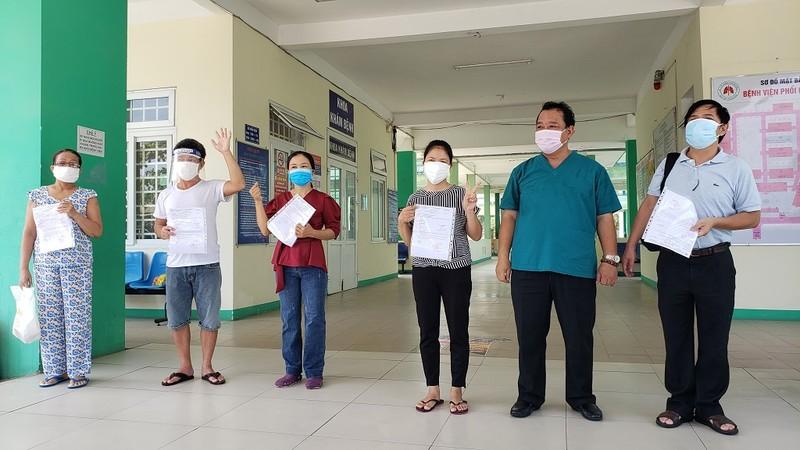 1 bệnh nhân rất nặng khỏi COVID-19 nhưng nguy cơ tử vong cao - ảnh 1