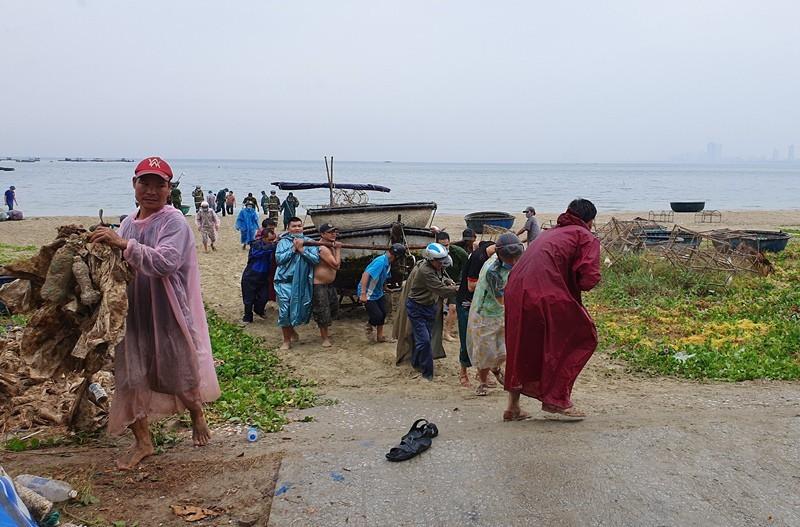 Đà Nẵng cho học sinh nghỉ học 2 ngày để tránh bão - ảnh 1