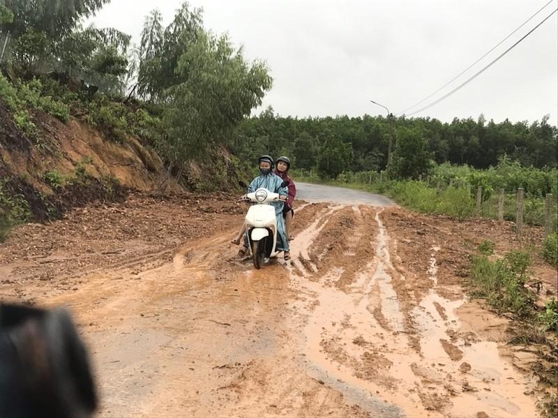 Đà Nẵng: Nước lũ bủa vây Hoà Vang - ảnh 6