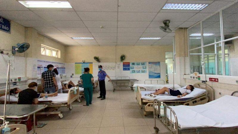 Đà Nẵng: Xác định nguyên nhân ban đầu vụ ngộ độc đồ chơi lạ  - ảnh 1