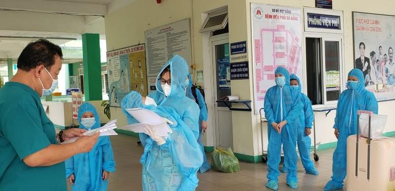 3 mẹ con ở Đà Nẵng mắc COVID-19 khỏi bệnh - ảnh 1