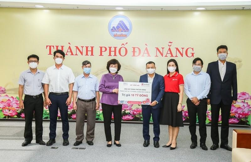 Đà Nẵng nhận bàn giao gói hỗ trợ trang thiết bị y tế trị giá 10 tỉ đồng  - ảnh 1