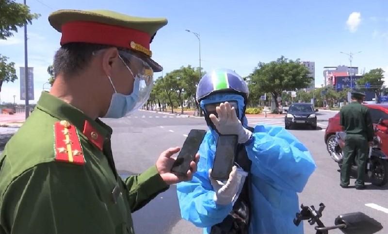 Người dân Đà Nẵng được cấp và sử dụng mã QR Code để tham gia các hoạt động  - ảnh 1