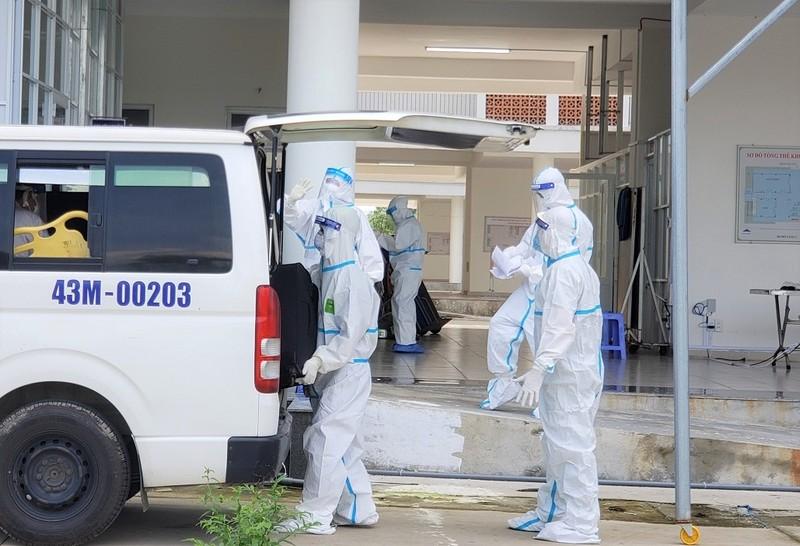 Đà Nẵng 'làm sạch' bệnh viện dã chiến - ảnh 3