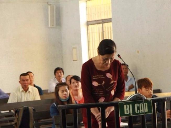 Hoãn đưa phó chánh án nhận hối lộ vào trại giam để xử - ảnh 2