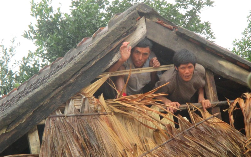 Hà Tĩnh cấp 2.500 phao cứu sinh và 40 nhà bạt cứu dân - ảnh 2