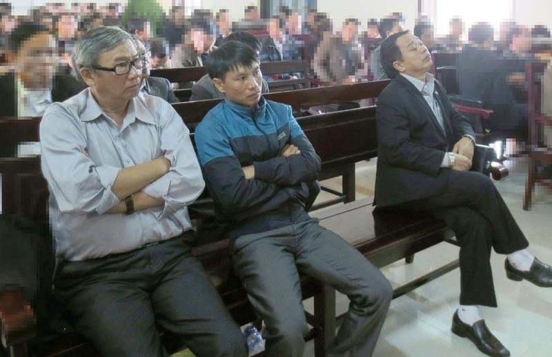 Chưa tuyên án cựu chủ tịch huyện 'xin được cống hiến' - ảnh 1