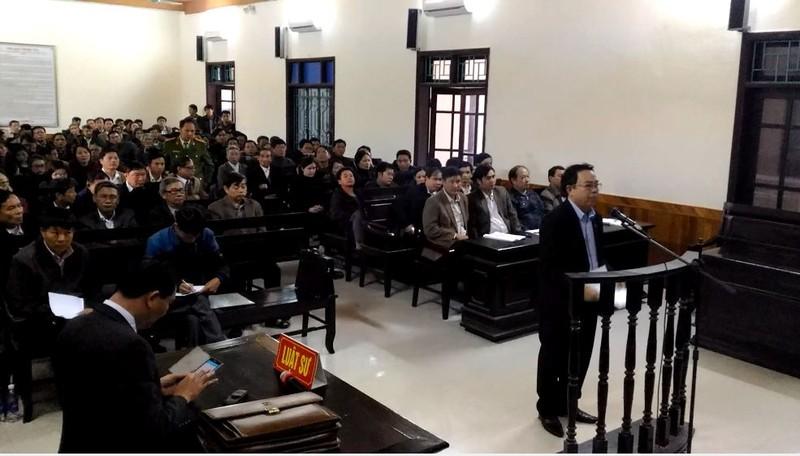 Chưa tuyên án cựu chủ tịch huyện 'xin được cống hiến' - ảnh 2