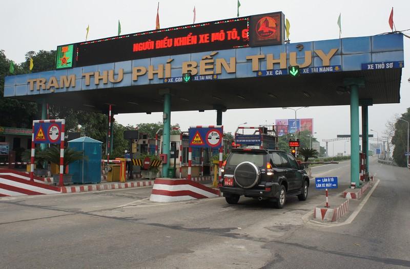 Ách tắc qua cầu Bến Thủy 1 vì dân mang xe phản đối phí - ảnh 2