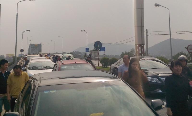 Tỉnh Nghệ An đề nghị hỗ trợ dân qua cầu Bến Thủy - ảnh 1