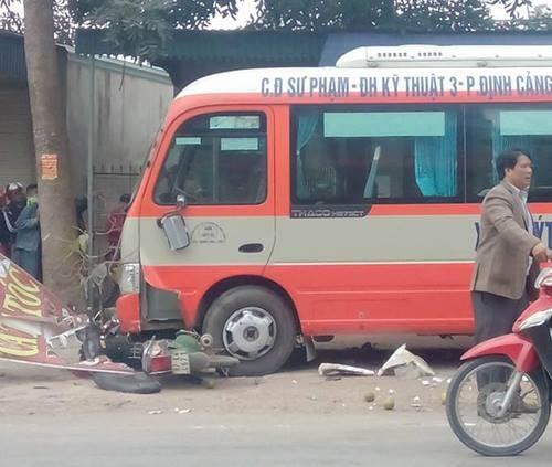 Xe buýt tông chết người đi đường - ảnh 1