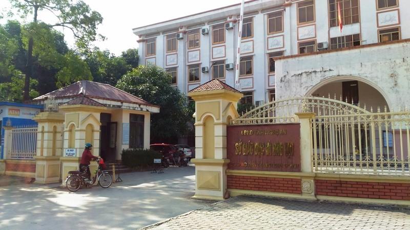 Tòa thụ lý vụ giám đốc Sở GD&ĐT tỉnh Nghệ An bị kiện - ảnh 1