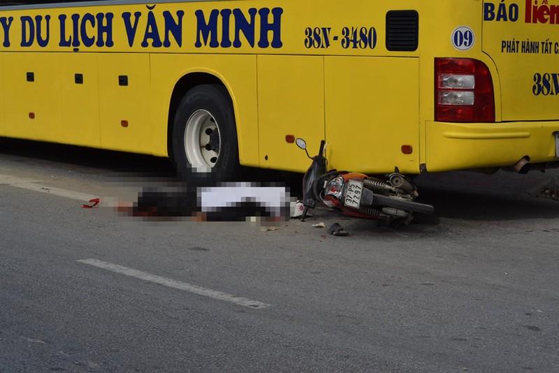Xe tải tông chết người trên quốc lộ 1A rồi bỏ chạy - ảnh 1