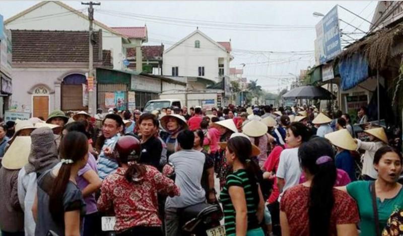 Hàng trăm người vây bắt 1 phụ nữ do hiểu nhầm - ảnh 1