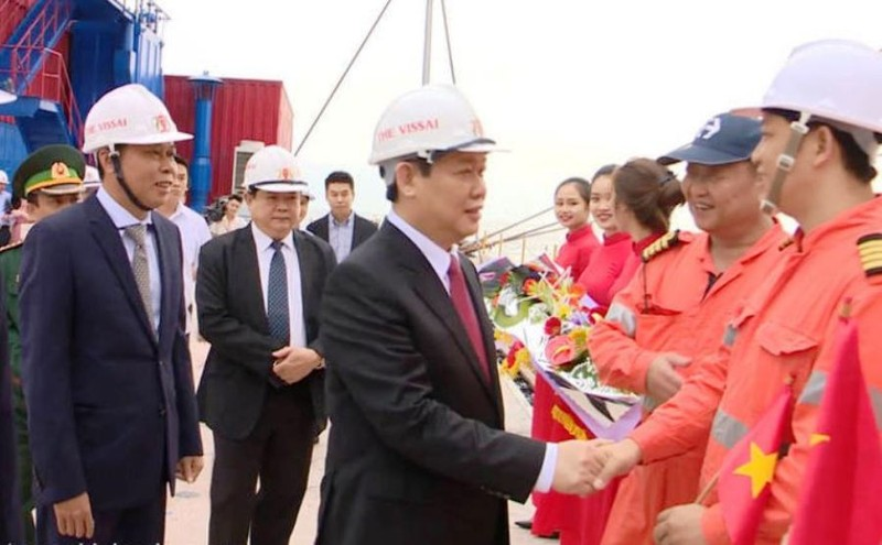Phó Thủ tướng Vương Đình Huệ nhấn nút mở cầu cảng biển  - ảnh 3