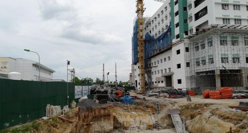 Mở thông lại đường bị đóng để xây bệnh viện - ảnh 2
