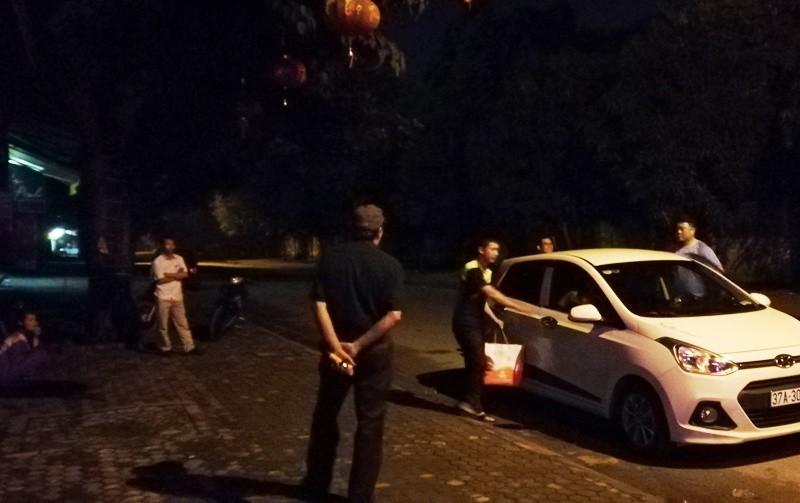 Kẻ ôm lựu đạn cố thủ 14 tiếng  có hành vi chặt phá xe hơi Audi - ảnh 4