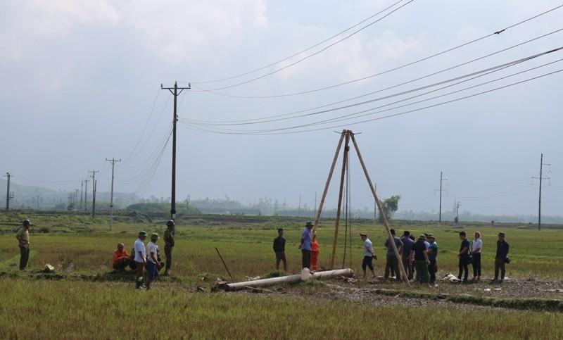 Hiện trường vụ điện giật chết 4 người dựng cột viễn thông - ảnh 5