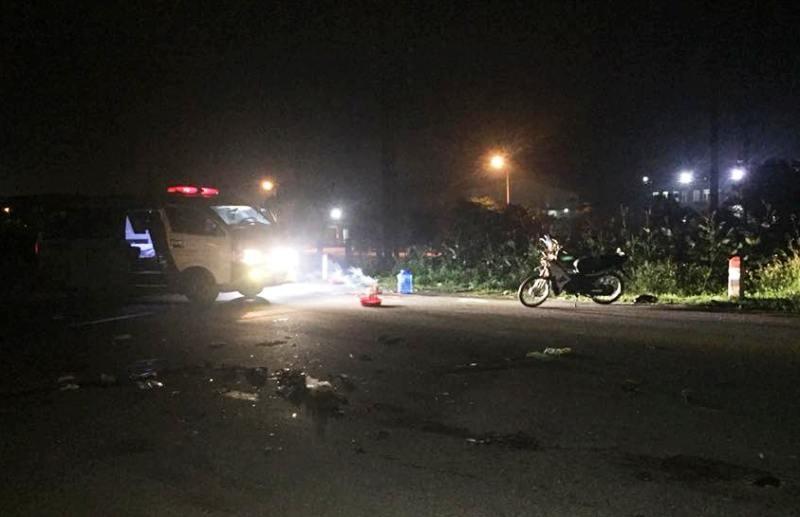 Xe tải tông xe máy chở ba, 3 người tử vong - ảnh 1