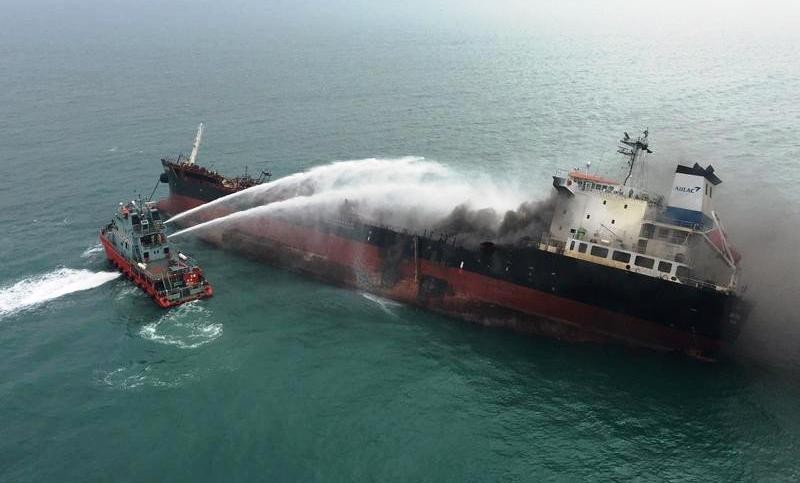 Thông tin mới vụ cháy tàu Việt Nam trên biển Hồng Kông - ảnh 1