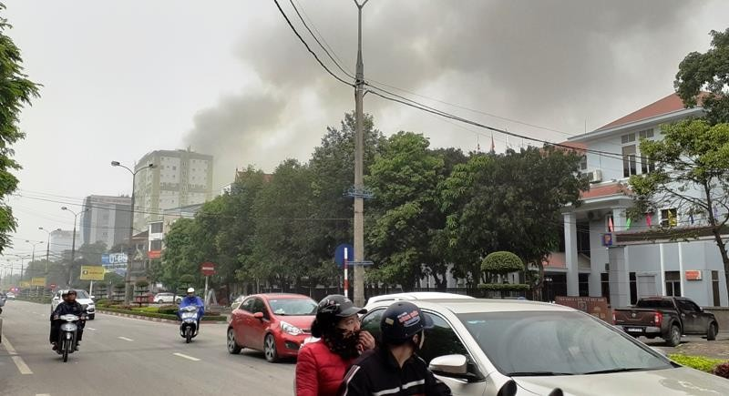 Vụ cháy khách sạn ở Vinh: 1 phụ nữ thiệt mạng vì hoảng loạn  - ảnh 3