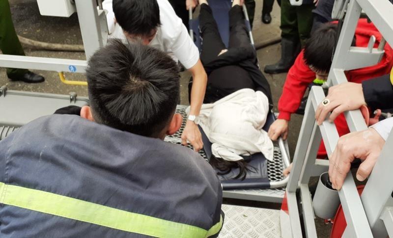 Vụ cháy khách sạn ở Vinh: 1 phụ nữ thiệt mạng vì hoảng loạn  - ảnh 6