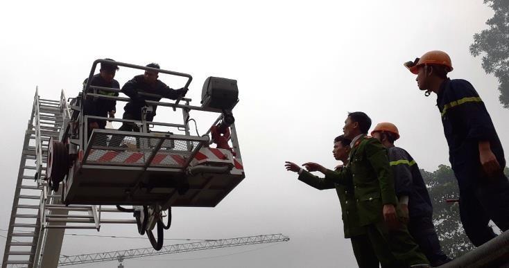 Vụ cháy khách sạn ở Vinh: 1 phụ nữ thiệt mạng vì hoảng loạn  - ảnh 5