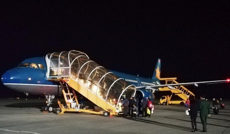 Vì sao máy bay Vietnam Airlines phải hạ cánh lần 2? - ảnh 1