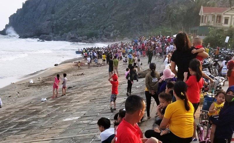 Vẫn chưa tìm thấy học sinh lớp 5 mất tích trên biển  - ảnh 1