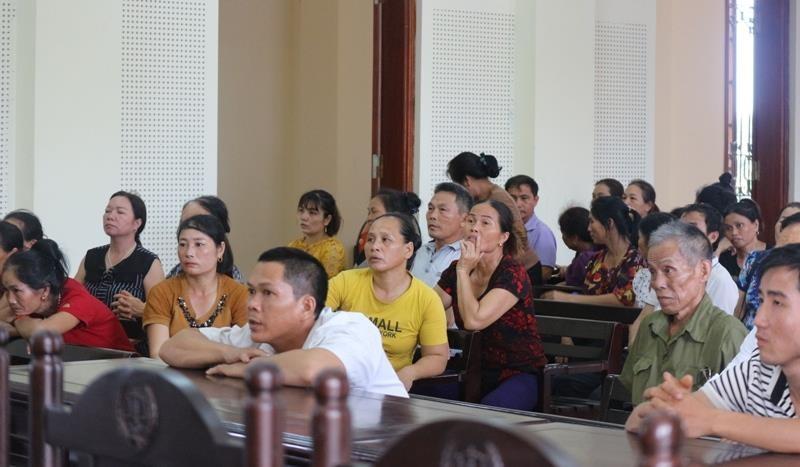 Nữ 'đại gia' vàng lừa 383 người, bị phạt tù chung thân - ảnh 2