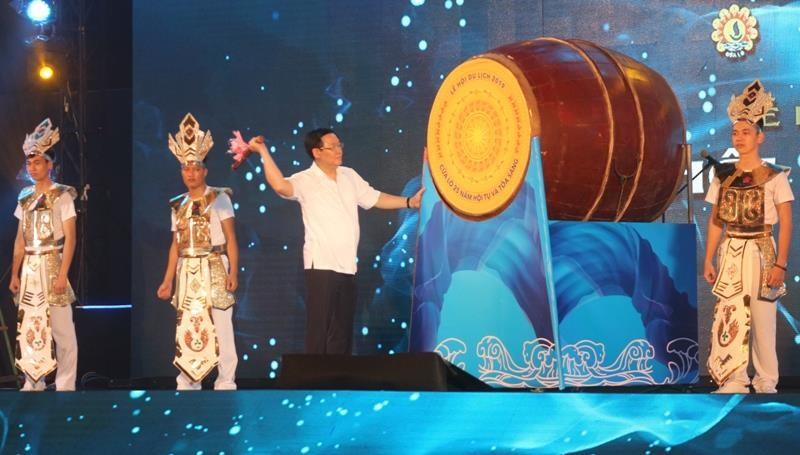 Phó Thủ tướng đánh trống khai mạc du lịch Cửa Lò 2019 - ảnh 1