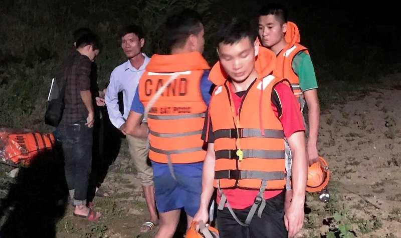 Tìm thấy 3 thi thể học sinh trên sông Hiếu - ảnh 1