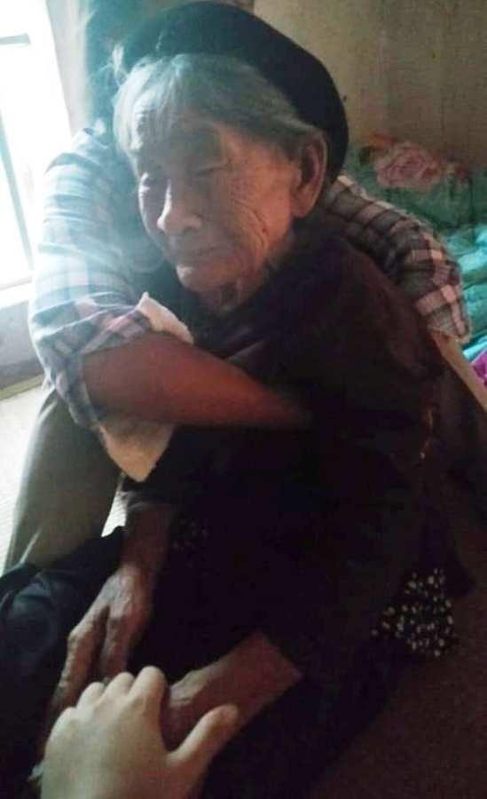 Cháu tật nguyền tử vong, bà nội 95 tuổi thiếu người đỡ đần - ảnh 2