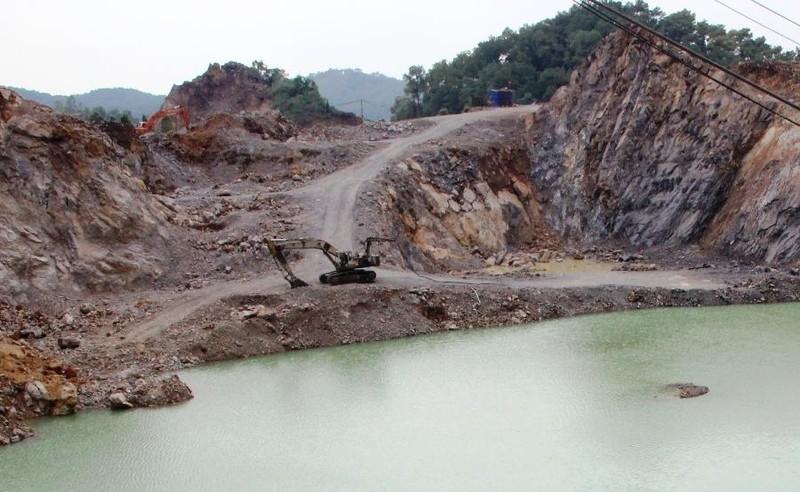 Công nhân tử vong do trượt chân khi khoan mỏ để nhồi thuốc nổ - ảnh 1