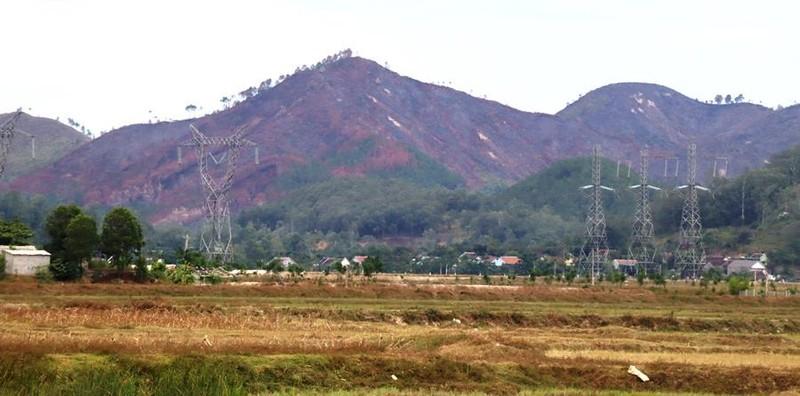 Chùm ảnh: Cận cảnh nơi cháy rừng lớn, người tử vong  - ảnh 1