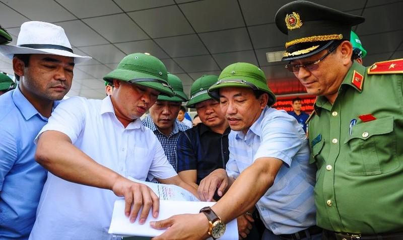 Chủ tịch Nghệ An kiểm tra việc mở lại con đường từng bị đóng - ảnh 2