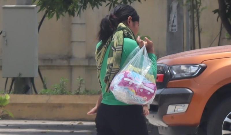 Người mẹ bán con gái sơ sinh để lấy 32 triệu đồng  - ảnh 1