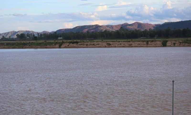 Nghệ An: Nước sông Lam dư nhưng dân thiếu nước sạch - ảnh 1