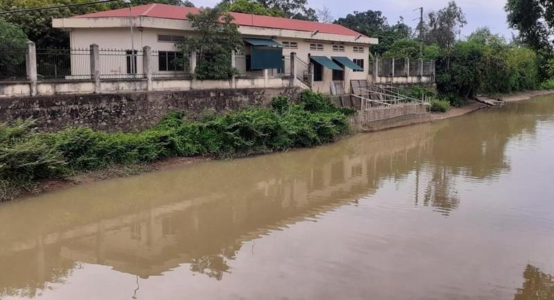 Vì sao mưa lụt nhưng toàn TP Vinh bị cắt nước máy? - ảnh 3