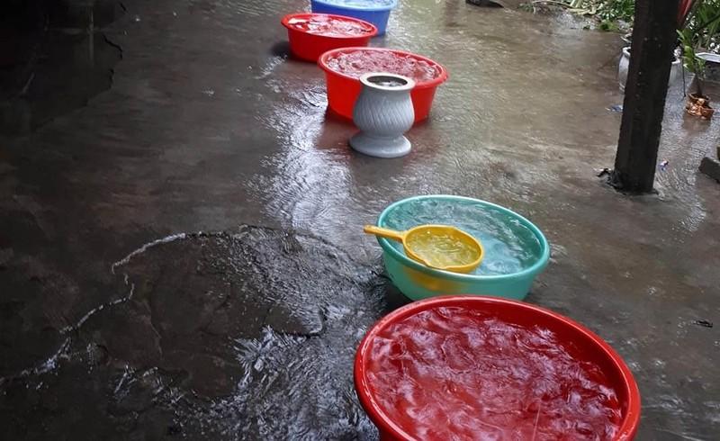 Cho bơm nước sông, bệnh viện vẫn thiếu nước phục vụ chạy thận - ảnh 2