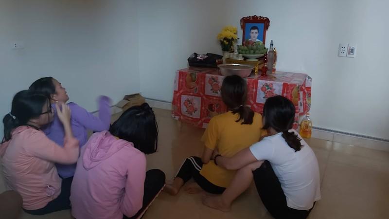 Thi hài, tro cốt  23 nạn nhân người Việt ở Anh về đến quê nhà  - ảnh 2