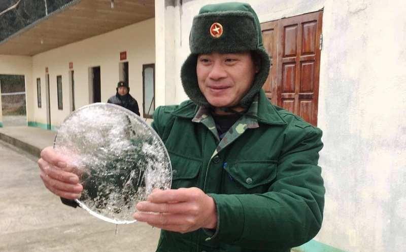 Video: Rét, nước trong chậu ở xã miền núi Nghệ An đóng băng  - ảnh 1