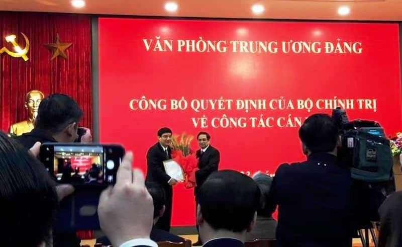 Bí thư Nghệ An làm phó chánh Văn phòng Trung ương Đảng - ảnh 1