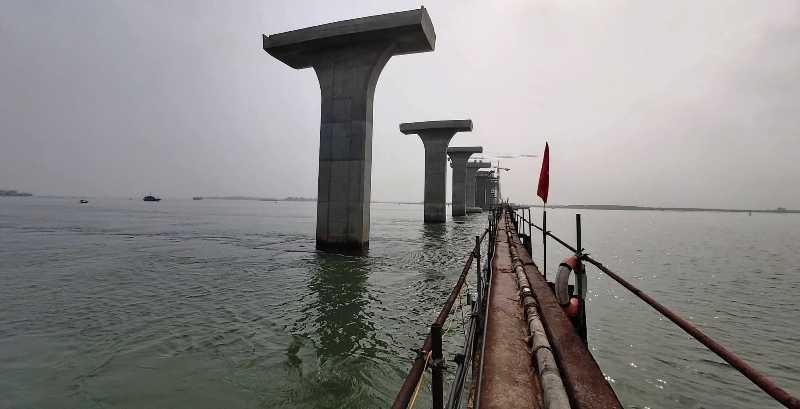 Tiến độ cầu 950 tỉ qua sông Lam không thể chậm vì dịch Corona - ảnh 1