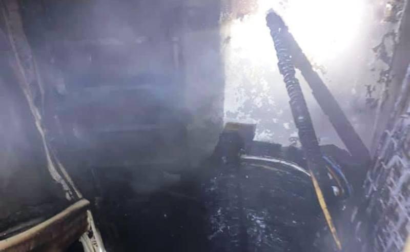 Cháy khu nhà ở sinh viên, 7 người bị kẹt trên tầng 8 - ảnh 2