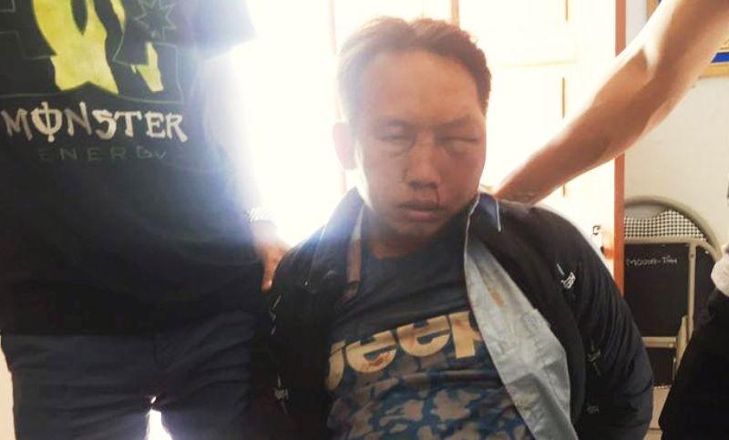 Kẻ buôn ma túy rút dao chống cảnh sát - ảnh 1