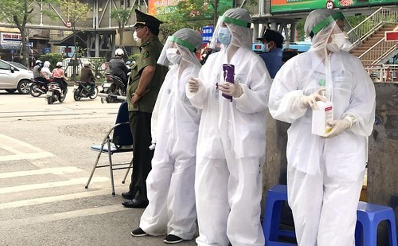 Gần 1.000 người Nghệ An từng đến BV Bạch Mai 14 ngày qua - ảnh 1